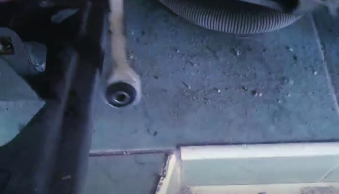 Стиральная машина Bosch Maxx 4 гремит на отжиме